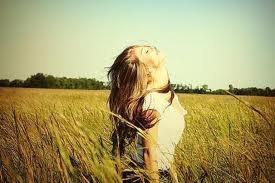 il suffit d'une personne pour que d'un coup tout redevienne beau et que tu respires de nouveau =)