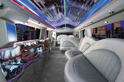 L interieur du hummer limousine hummer only for Interieur hummer