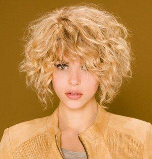 Coupe pour cheveux blonds boucles
