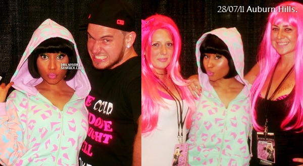 Découvrez ou redécouvrez certaines photos des Meet N' Greet de Nicki durant le Femme Fatal Tour.    Découvrez ou redécouvrez certaines photos des Meet N' Greet de Nicki durant le Femme Fatal Tour.