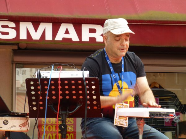 CISCO en live samedi 7 juillet 2012 Rue des Chapeliers !