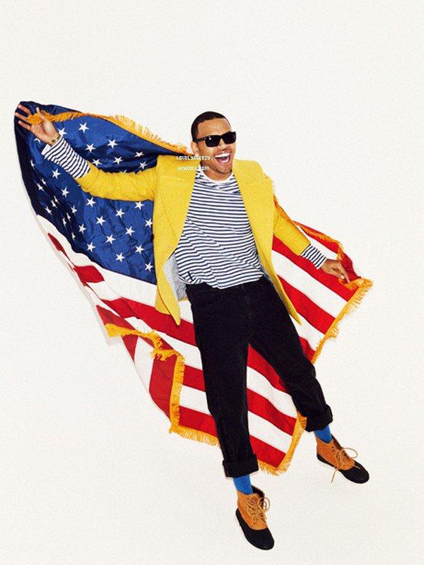 Chris Brown Photoshoot pour le moment je ne sais pas de quelle photoshoot elles proviennent (Celle en couleur est normalement en noir et blanc)