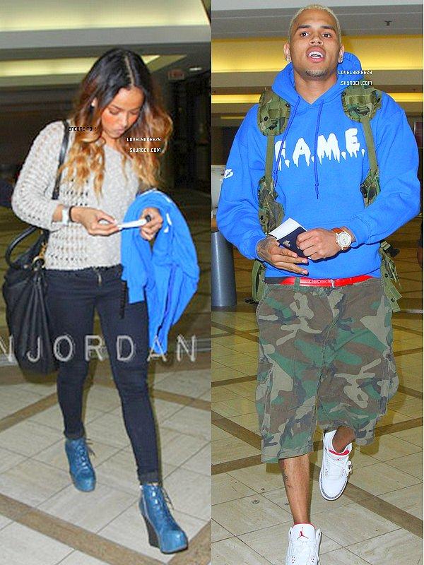 Karrueche a l'aéroport de LAX (elle était avec Chris)