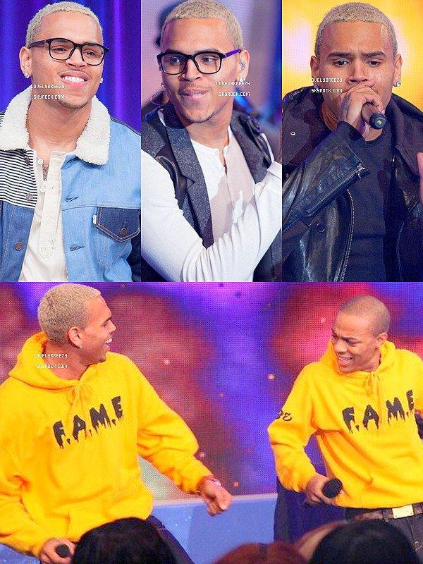Chris Brown au 106 & Park (quelle tenue préférez-vous ? désoler je n'est pas trouver de photo ou on le voyez de hautes en bas)
