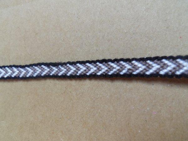 Bracelet en V avec des bordurs