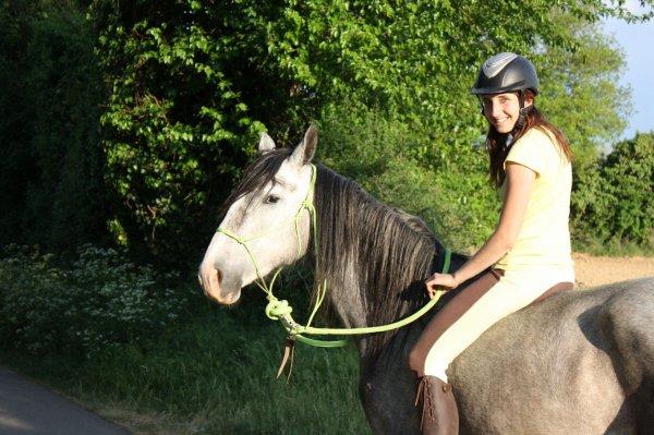 Bohème - Plume - Nuggets - Evey - Gipsy et Utopia - Gillian Petite, on ne ma pas appris a aimé l'équitation, mais on m'a appris a aimé les chevaux...