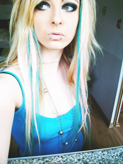 blonde and blue emo scene hair style for girls