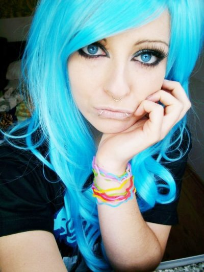 blue emo scene hair style bibi barbaric girl sitemodel queen eyes make up piercings colorfull bands