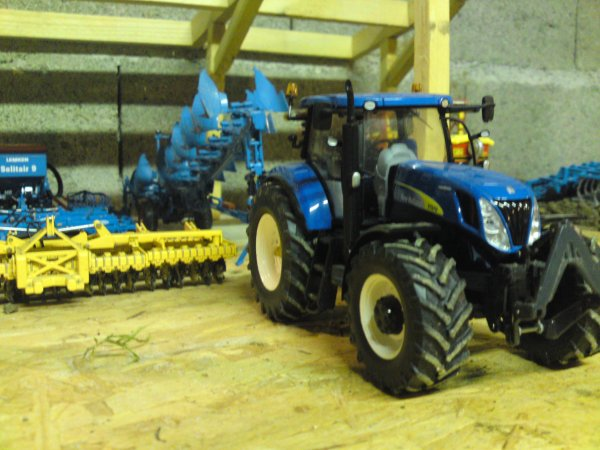 new holland et charrue lemken