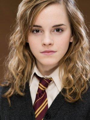 Emma Watson (ces cheveux longs me manque)
