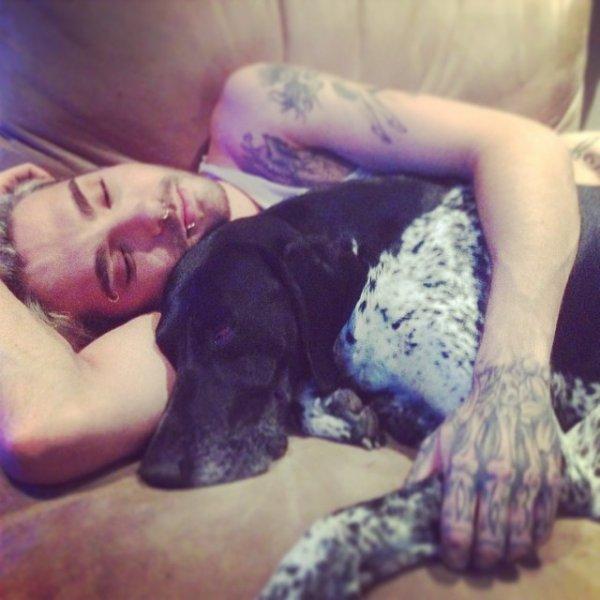 Instagram : Bill Kaulitz : heure de la sieste