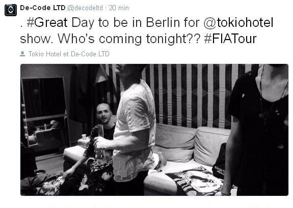 Twitter De-Code LTD : #Belle journée pour être à Berlin pour un concert @tokiohotel . Qui vient ce soir?? #FIATour
