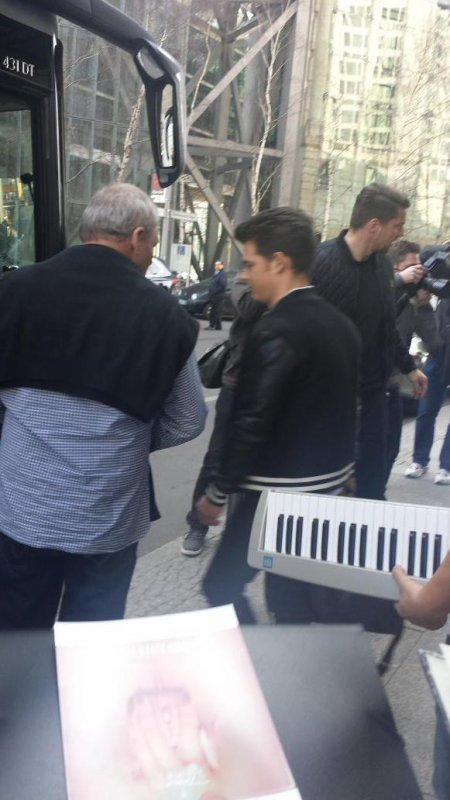 23.03.2015 Berlin - TH quittent l'hotel  + vidéos