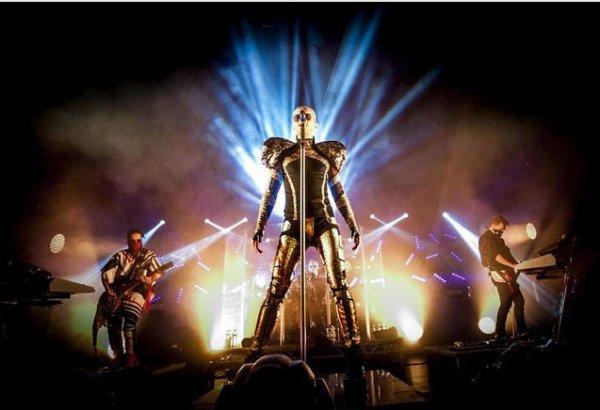 Instagram Tokio Hotel : #feelitallworldtour #live #onstage #tokiohotel #2015