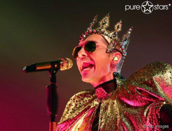 Article de purestars.de : Les nouveaux vêtements du roi ! Bill Kaulitz a dessiné lui-même ses tenues de scène