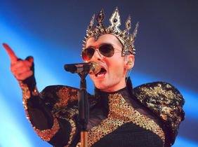 Article de abendblatt.de : Tokio Hotel avec confettis, paillettes et laser à l'église