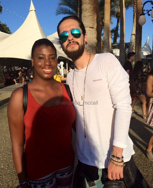 12.04.2015  - Bill & Tom Kaulitz avec une fan à Coachella