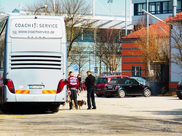 News de Tokio Hotel arrivant a Munich (18.03.2015)