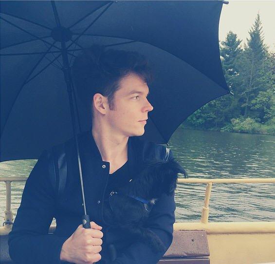 Instagram Georg Listing : Voyage pluvieux en bateau #dimanche #mon copain