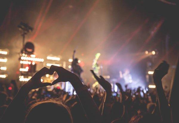 Facebook Erik bergamini : #Passion w/Tokio Hotel