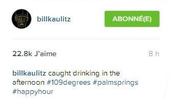 Instagram Bill Kaulitz :     billkaulitz surpris à boire dans l'apres-midi #42degrees #palmsprings #heureuxàcetteheure