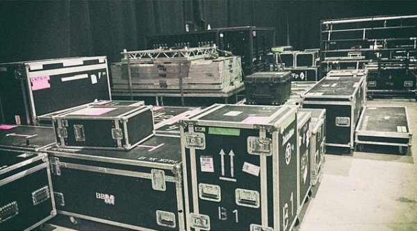 Instagrm Tokio Hotel : Rangement pour nos dates américaines!