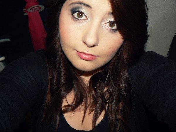 «Les seuls beaux yeux sont ceux qui vous regardent avec tendresse.»♥