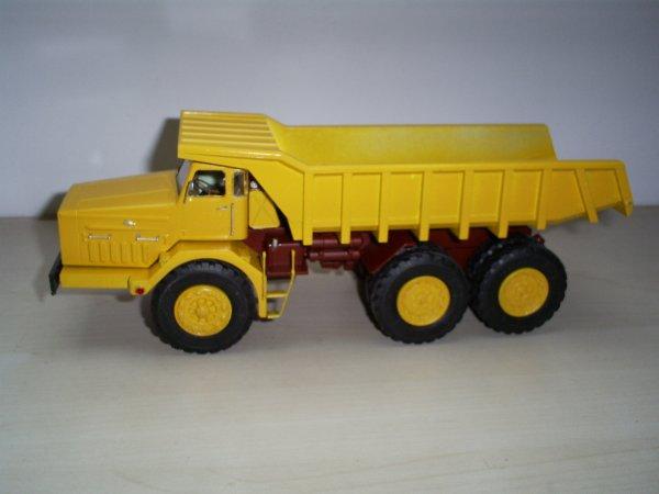 camion  dumper  MAZ - 530