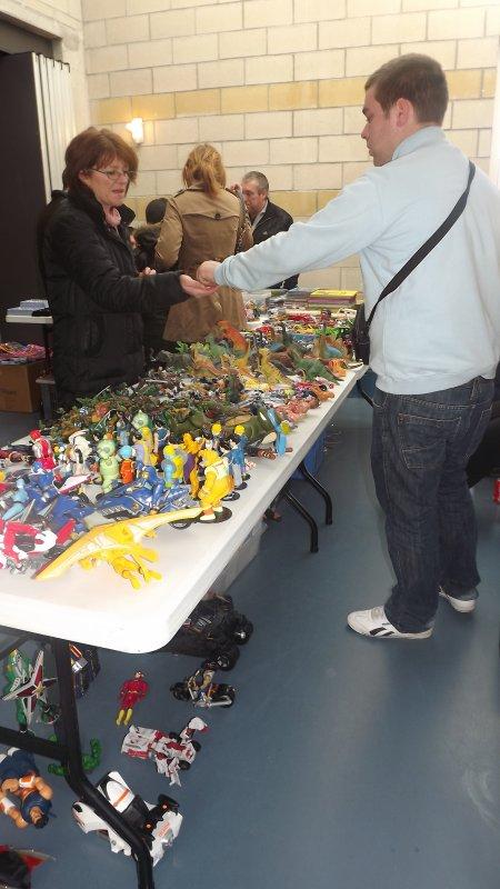 Brocante Organisé Le 19 Février 2012 Par Notre Association Le télégraphe