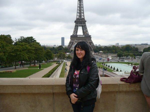 à 160 bornes de saint q ^^ Paris =)