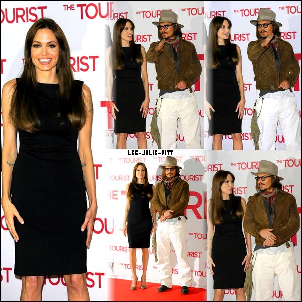 ** **  Angelina Jolie et Johnny Depp se sont rendu dans l'après-midi du 14 Décembre  à Berlin, en Allemagne pour un photocall afin de promouvoir leur tout nouveau film 'The Tourist'.   ** **