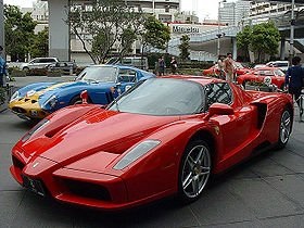 FORD GT vs FERRARI ENZO