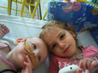 Séléna et Shayna mes 2 princesses <3