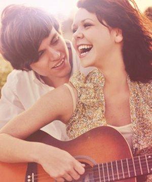!! Ce qui empêche les gens de vivre ensemble, c'est leurs conneries, pas leurs différences. ~ Anna Gavalda ♥    Il n'y a pas d'amour, il n'y a que des preuves d'amour. Reverdy.!!