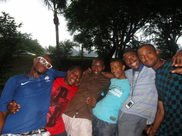 hahahaha /  Kavou kazina muisso (2012)
