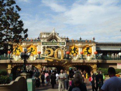 EuroDis... Euh... Disneyland Paris a 20 ans!