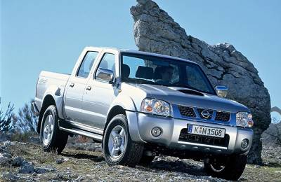Contact: Nissan Pick-up