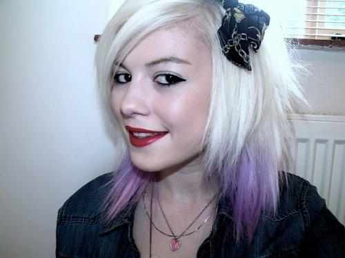 Des idées de Dip Dye Hair pour cheveux courts/mi-longs