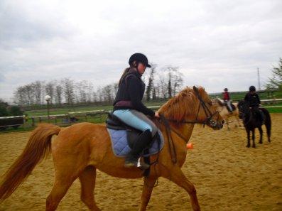 et HOP a cheval
