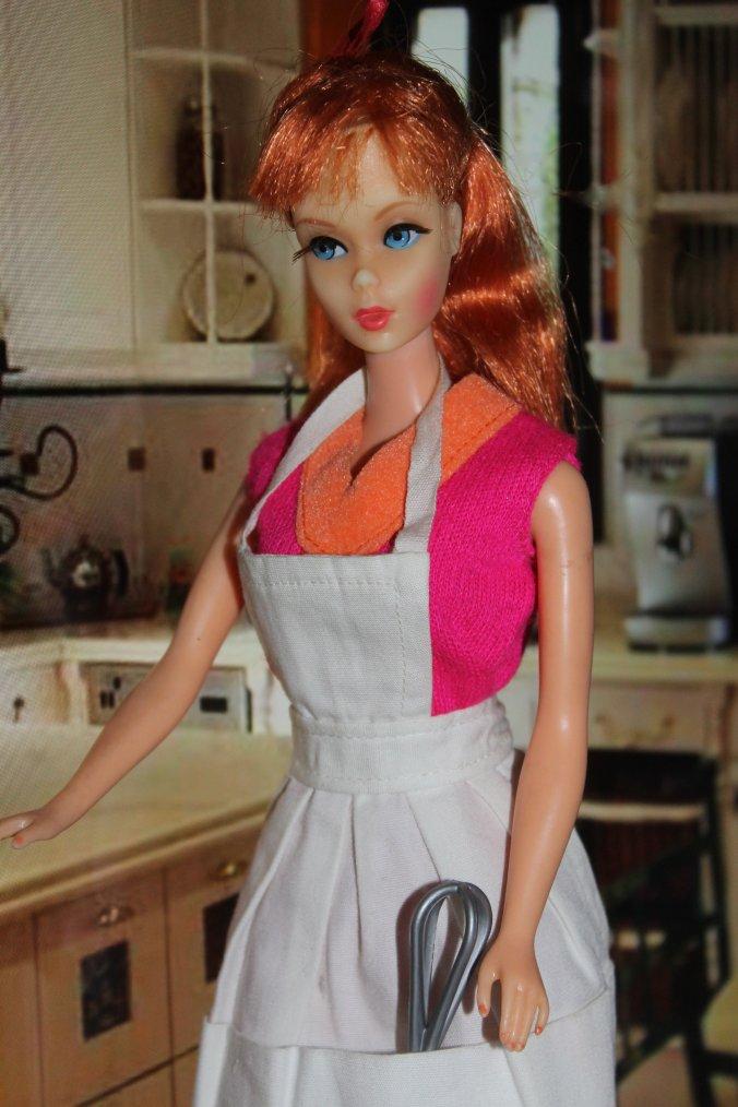 Lanny Barbie s'acharne sur deux bites en furie : Video
