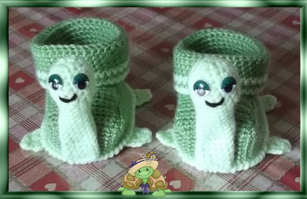 "Petits chaussons ""Tortues"""