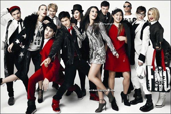 14 AOUT 2011 ▬ Après avoir fait le photoshoot pour la saison 3 de Glee , Miss Michele est aller se cherche un café .