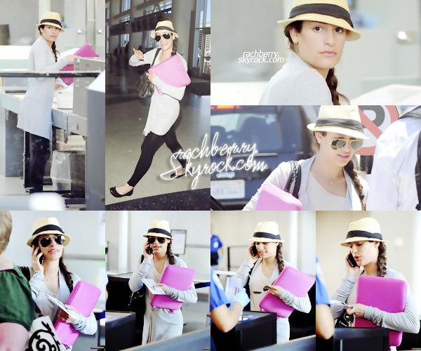 24 MAI 2010 ▬ Lea a été apercue a l'aéroport de LAX direction New York. J'adore son chapeau et sa coiffure.