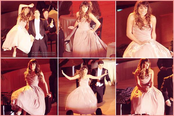 MARCH 27TH// Lea a été aperçue sur le set de Glee avec Darren Criss , tournant un numéro musical.