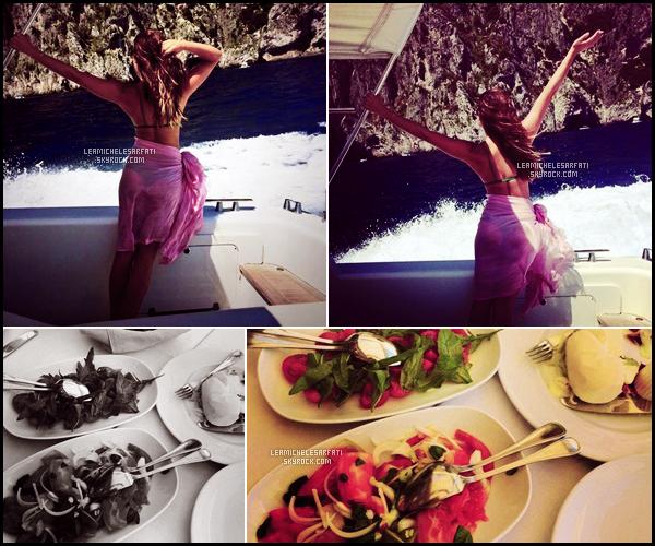 JULY 19TH // Un fan a aperçue Lea et Matthew déjeunant avec des amis dans un restraurant a Capri en Italie.