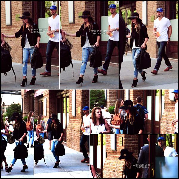 JULY 25TH // Lea a été vue quittant son hotel a NY avec Edith et Matthew direction sans doute l'aéroport.