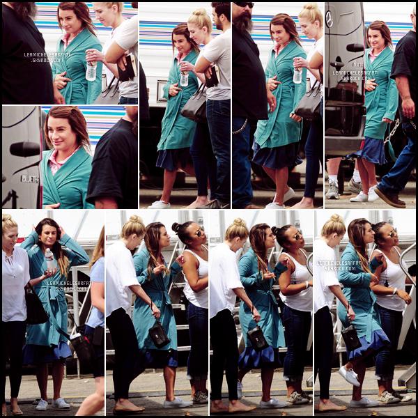 """JULY 28TH // Notre jolie Lea a été apercue de bon matin arrivant sur le set de la série """"Sons of Anarchy""""."""