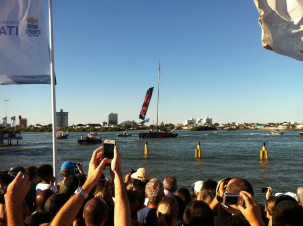 Os veleiros chegando em Itajaí
