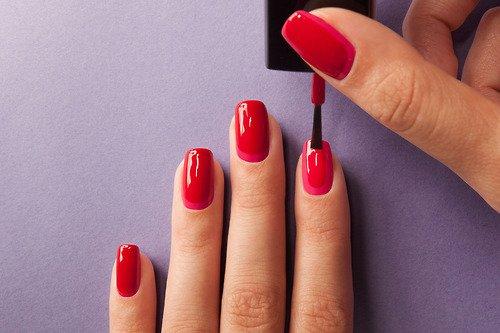 Comment bien appliquer son vernis à ongles ?