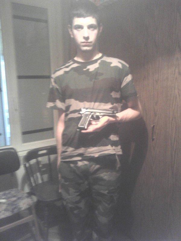 mon cheri en mode militaire !!!